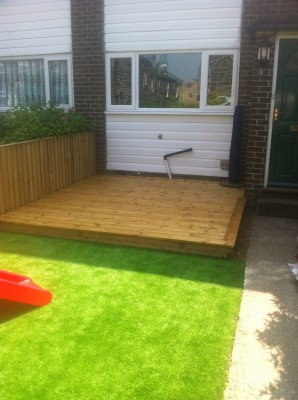 Front Garden - Deck